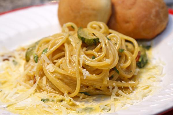 spaghetti carbonara abobrinha