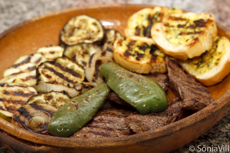 carne-vegetais-grelhados