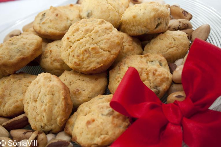 Muffins de azeitona, alecrim e queijo parmesão