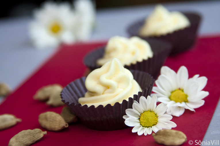 Trufa de chocolate branco com cardamomo