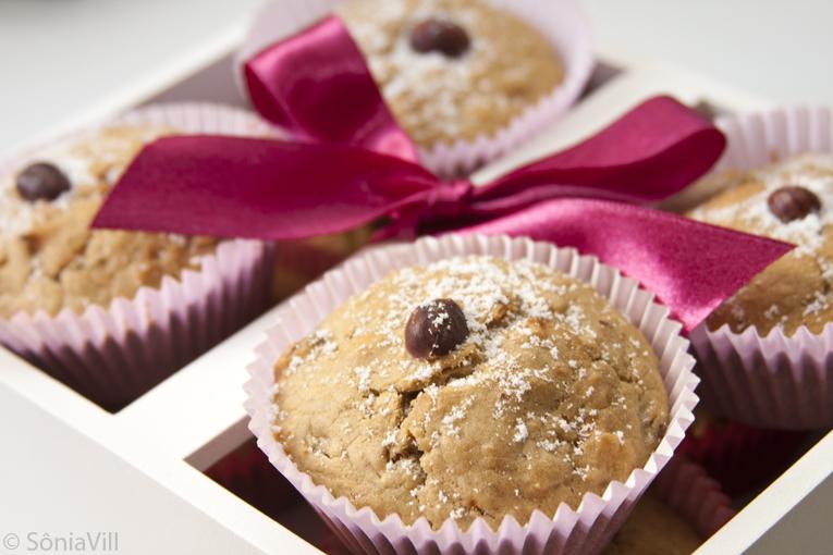 Muffins de pera e avelãs