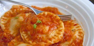 Raviólis de espinafre e pecorino