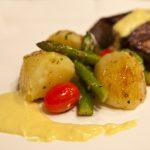 Picanha grelhada com legumes salteados e molho de mostarda