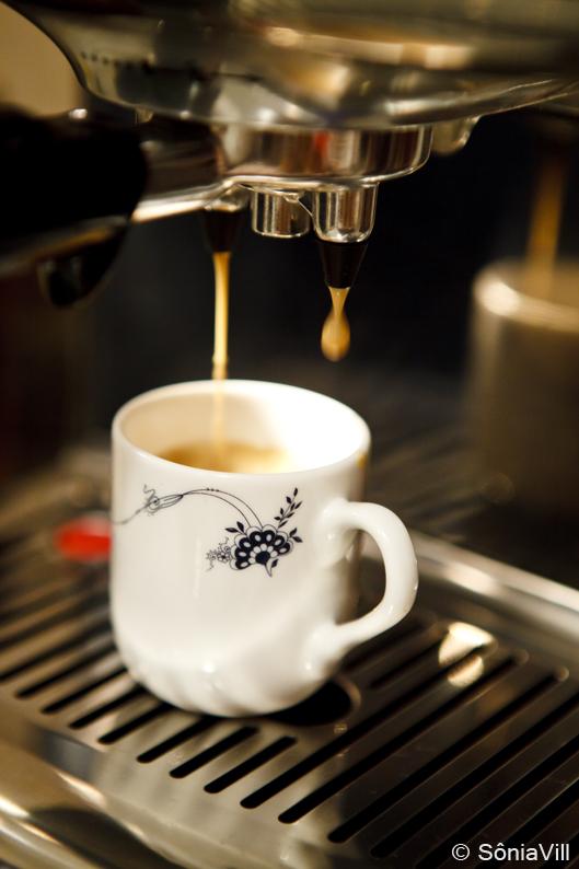 cafe com pao