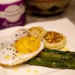 ovos com aspargos