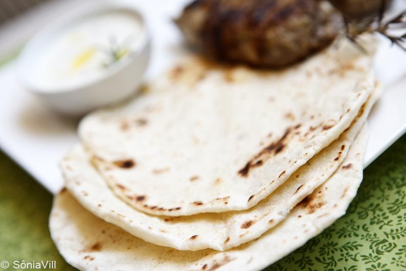 Kafta (a nossa moda) com pão pitta