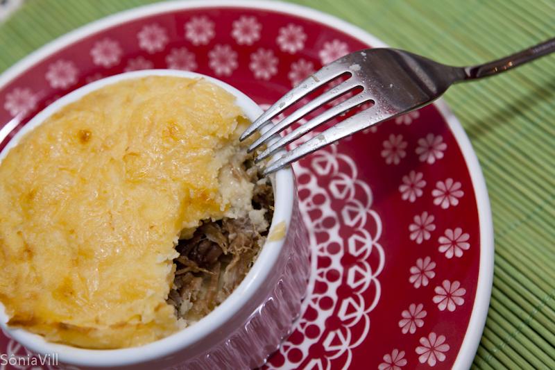 Escondidinho de batata e carne seca