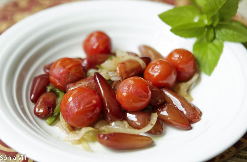 salada quente pinhão tomate