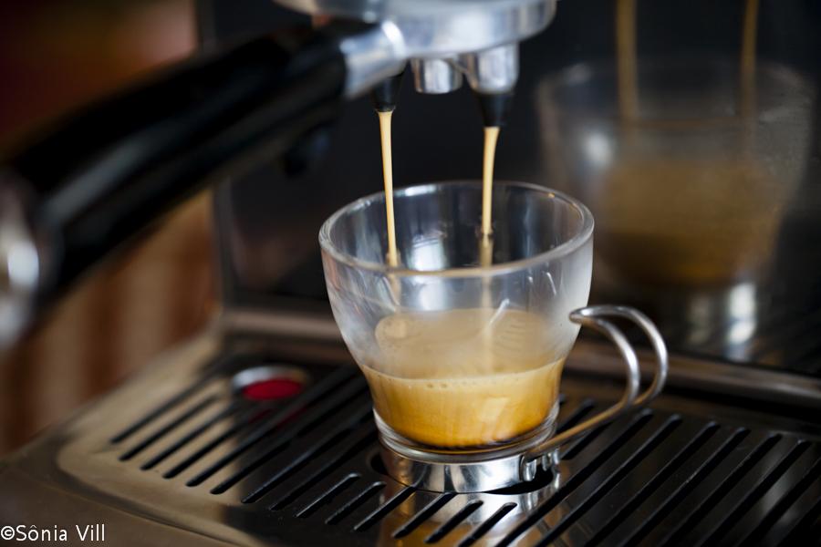 Meu café espresso perfeito tem que ter sabor e alegria