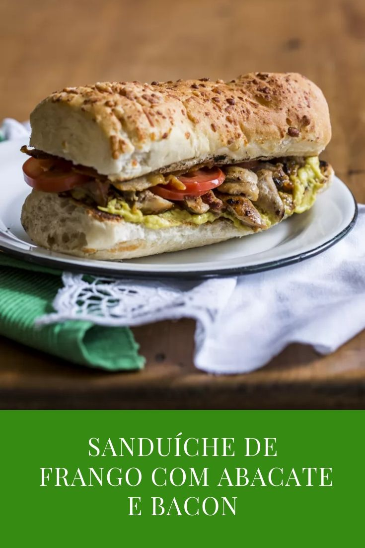 Sanduiche-frango-abacate-bacon