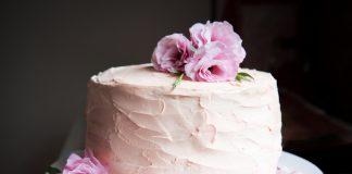 bolo festa outubro rosa