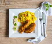 Risoto de palmito pupunha e tomate com frango crocante ao curry