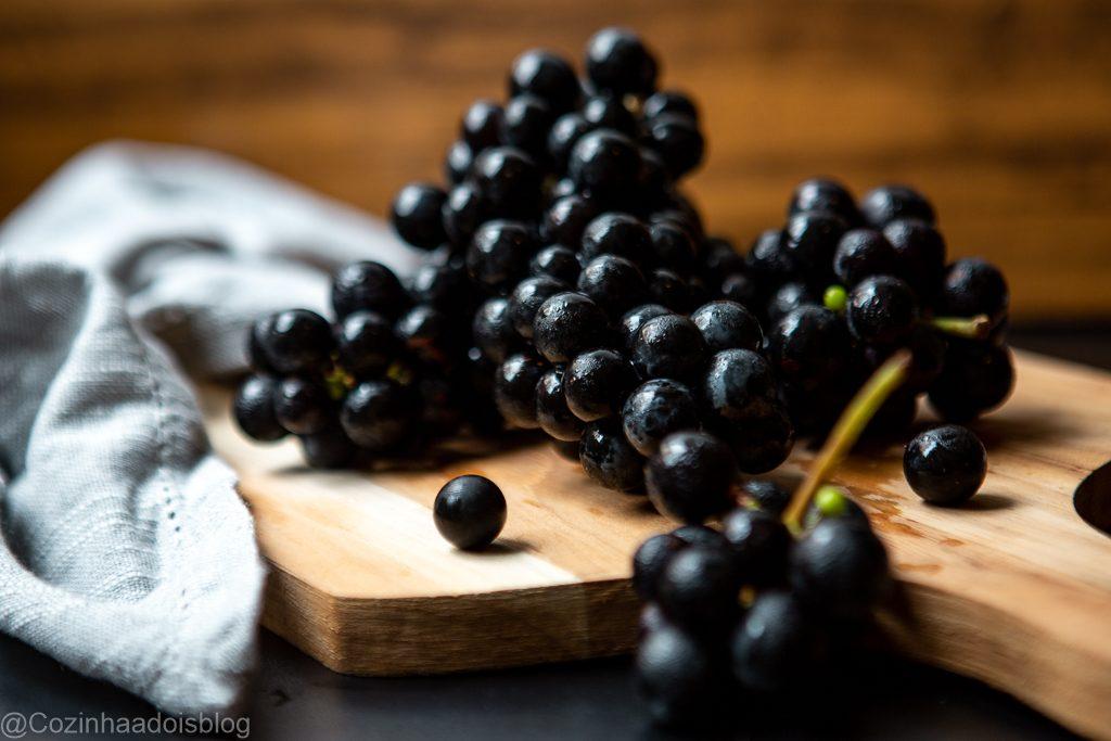 bolo-uva-farofa crocante