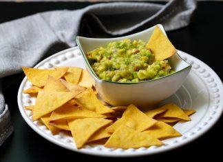 nachos-guacamole