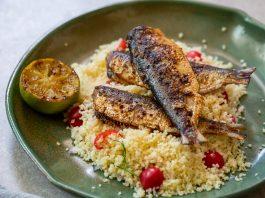 Sardinhas grelhadas com couscous marroquino