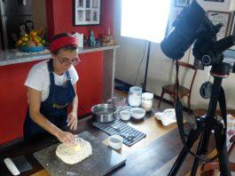 vídeo ensinando a fazer pão